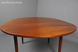 Quality dining Table in solid Teak