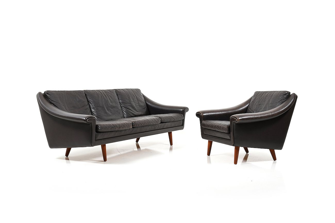 - Danish Leather 3-Seater Sofa And Armchair By Aage Christiansen
