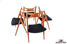 Sawback Chairs by Hans Wegner