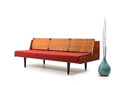 Early Daybed GE-258 in Teak and Wicker Cane by Hans J. Wegner