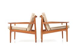 Early Pair of Danish Easy Chairs by Arne Vodder