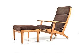 GE-290 / Lounge Chair & Footstool by Hans J.Wegner