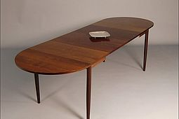 Mid Century Dining Table in Palisander