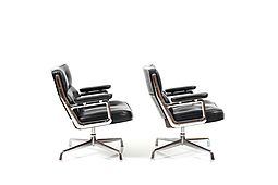 Pair of Charles and Ray Eames Lobby Chair Model ES 105. Early Model!
