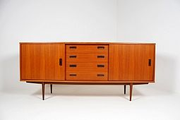Mid Century low Sideboard in Teak
