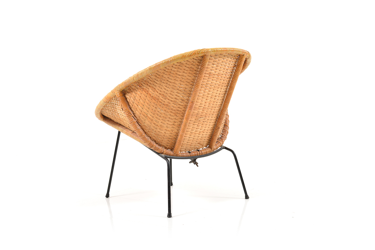 brown web pink chair basket products