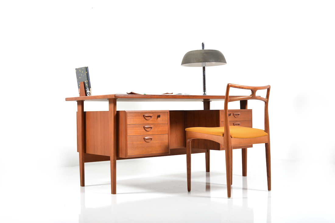 Model fm60 by kai kristiansen room of art - Desk for a small space collection ...