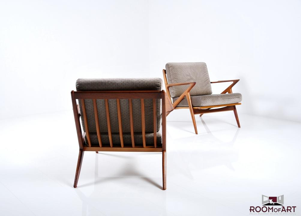 Pair Of Z Chairs By Poul Jensen
