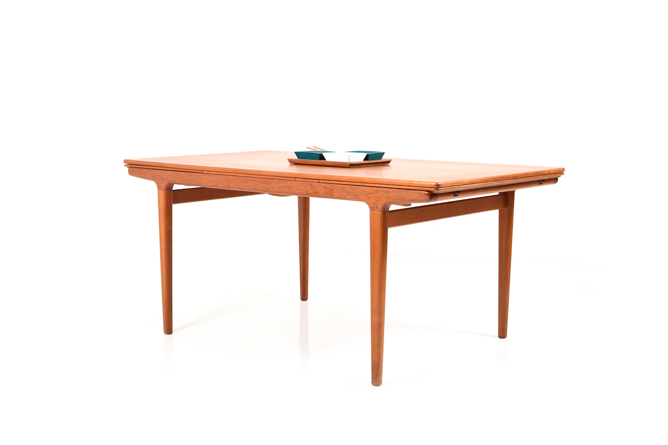 Large Extendable Teak Dining Table By Johannes Andersen For Uldum Room Of Art