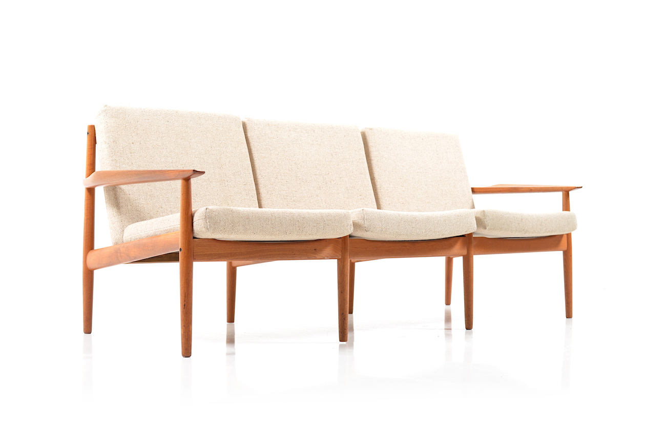 Mid Century danish Sofa in Teak by Arne Vodder - Room of Art